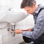 What To Do Before Calling Emergency Plumbing Service