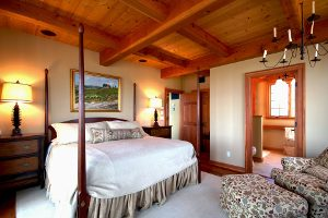 Decorating a bedroom with wooden beams