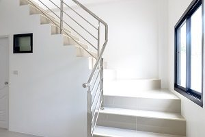 installing-stainless-steel-handrail-for-your-home