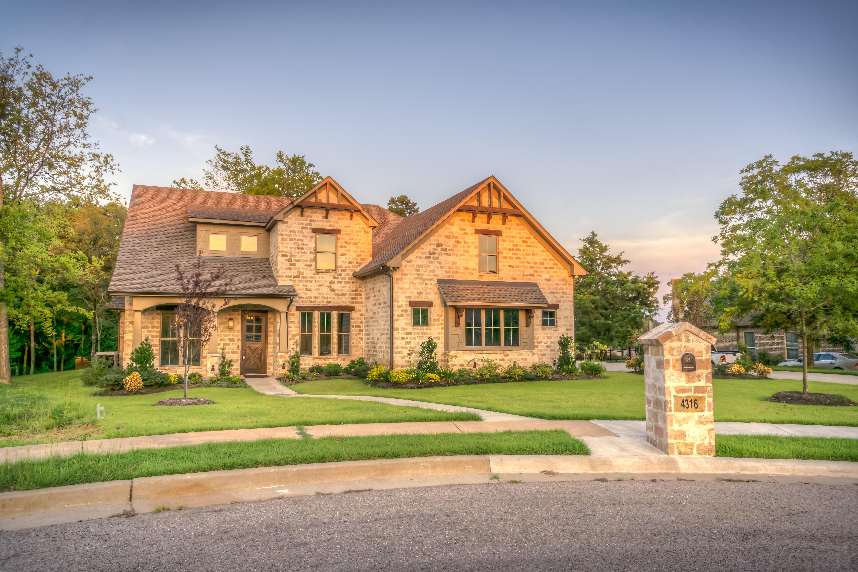 5 advantages of building a house