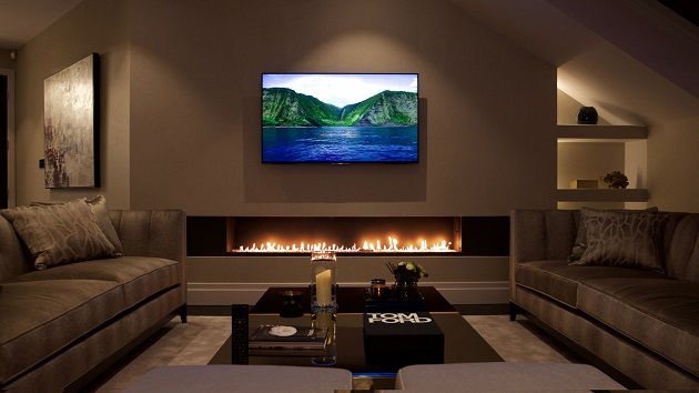 1 TV above fireplace